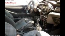 Flagra: interior do novo Mini Cooper completamente revelado na China