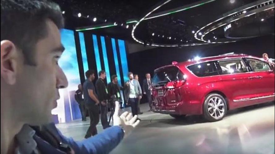 Chrysler Pacifica, com'è il primo ibrido FCA dal vivo [VIDEO]