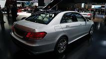 2014 Mercedes-Benz E400 Hybrid live in Detroit 14.01.2013