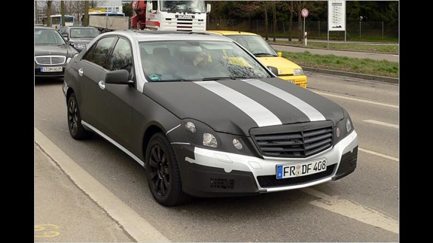Erwischt: Mercedes E-Klasse ist als Erlkönig unterwegs