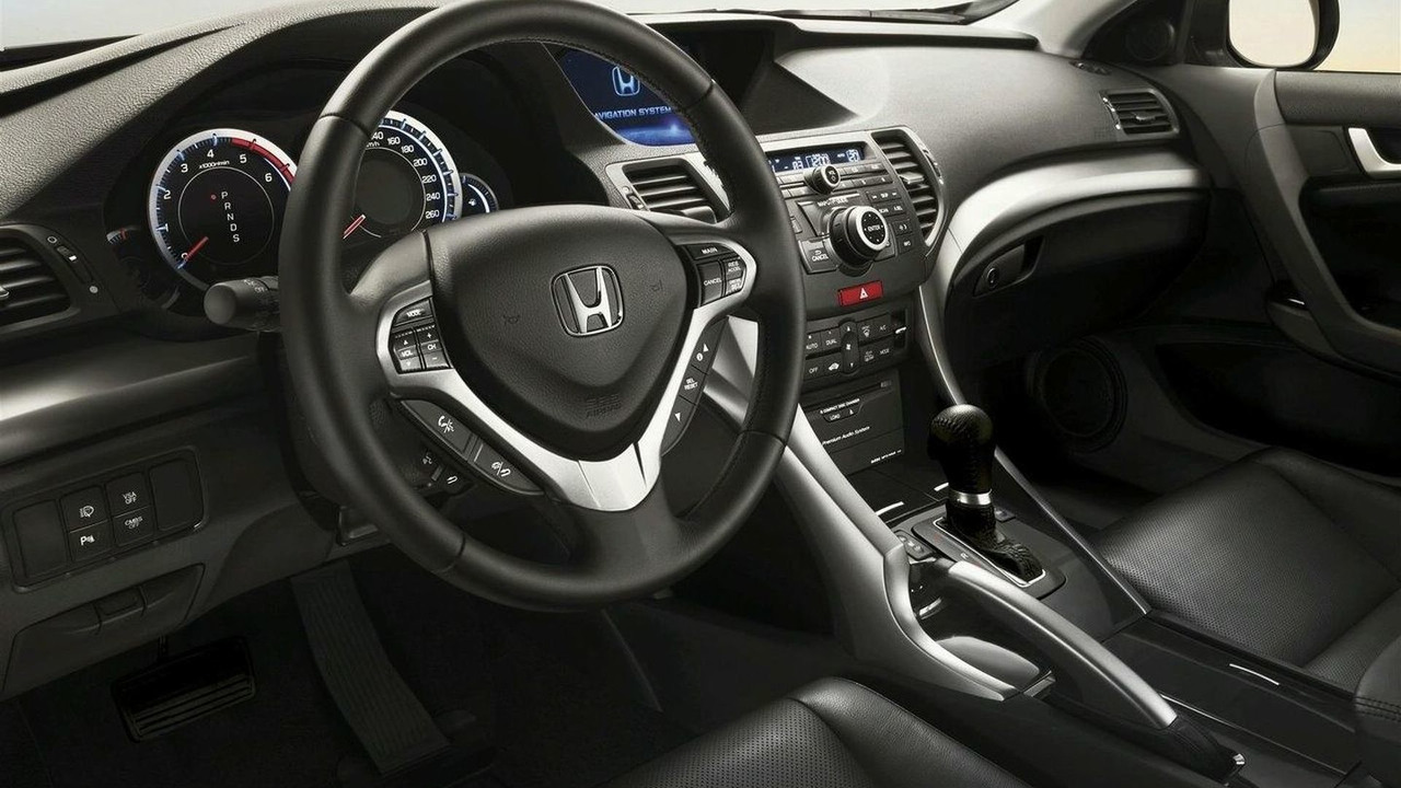 i-DTEC auto gearbox shift lever on Honda Accord euro spec