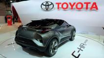 Cotado para o Brasil, arrojado Toyota C-HR começa a ser produzido na Europa