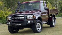 2007 Toyota LandCruiser 70 Series with genuine Bull Bar
