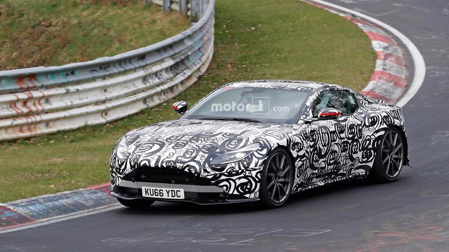 Photos espion - La future Aston Martin V8 Vantage affronte le Nürburgring !
