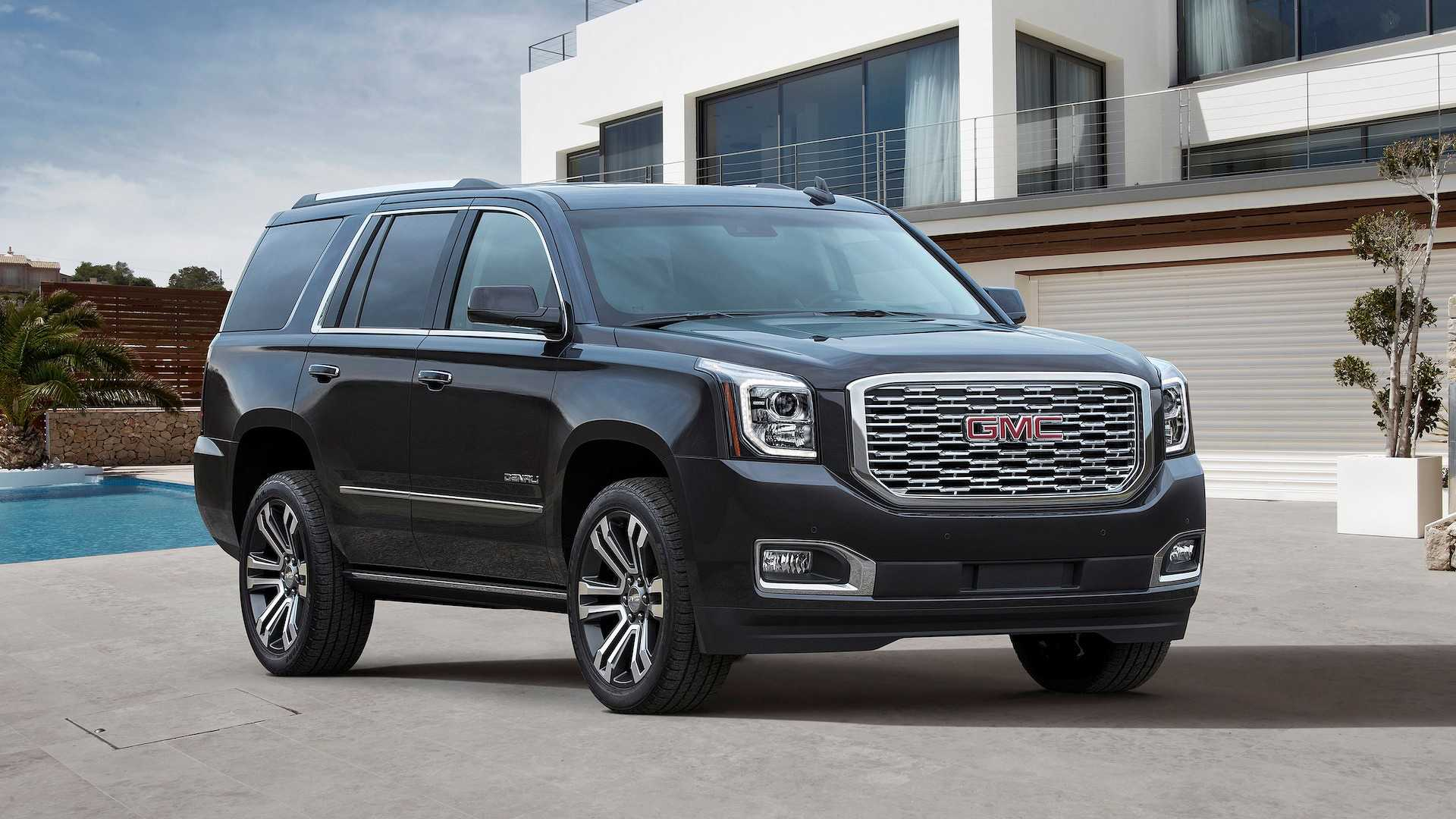 2018 chevrolet tahoe vs 2018 gmc yukon compare reviews. Black Bedroom Furniture Sets. Home Design Ideas