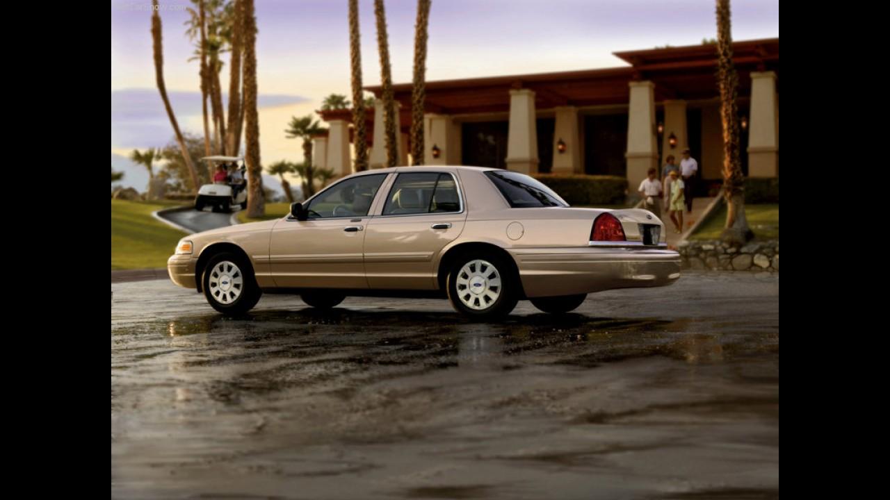 Fim de linha: Ford fabrica última unidade do lendário sedã Crown Victoria no Canadá