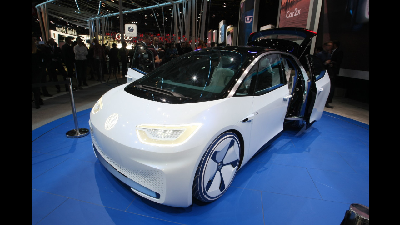 Volkswagen al Salone di Parigi 2016 005