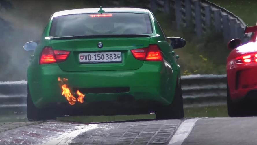 Alev alan BMW Nürburgring'de karmaşaya neden oldu