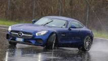 Mercedes-AMG GT, e vi sembrerà di guidare un