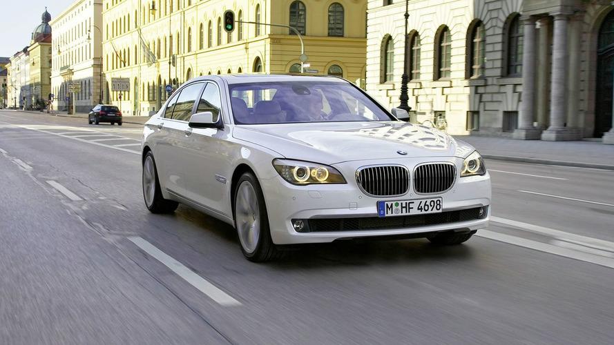 BMW 760Li & 760i Revealed with Newly Developed 6-Liter V12 Twin Turbo Engine