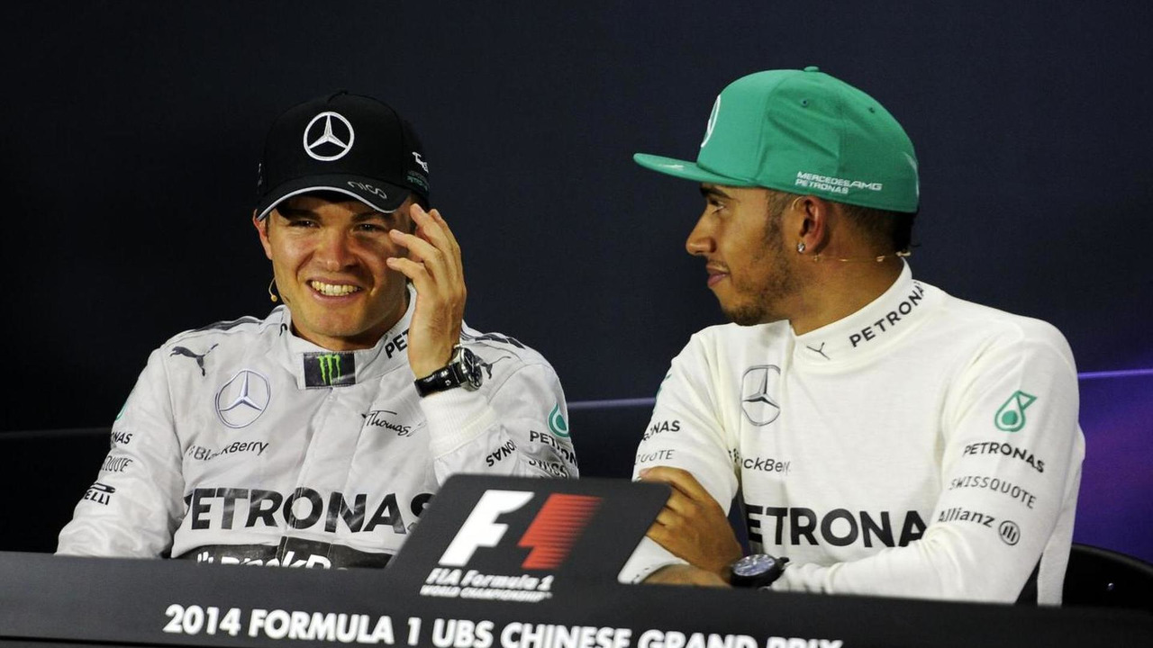 Nico Rosberg (GER) and team mate Lewis Hamilton (GBR) in the FIA Press Conference, 20.04.2014, Chinese Grand Prix, Shanghai / XPB