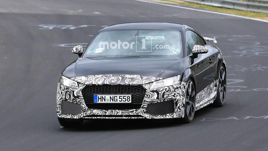 Makyajlı Audi TT RS casus fotoğraflar