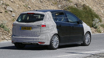 2015 Ford C-Max spied with a trapezoidal grille