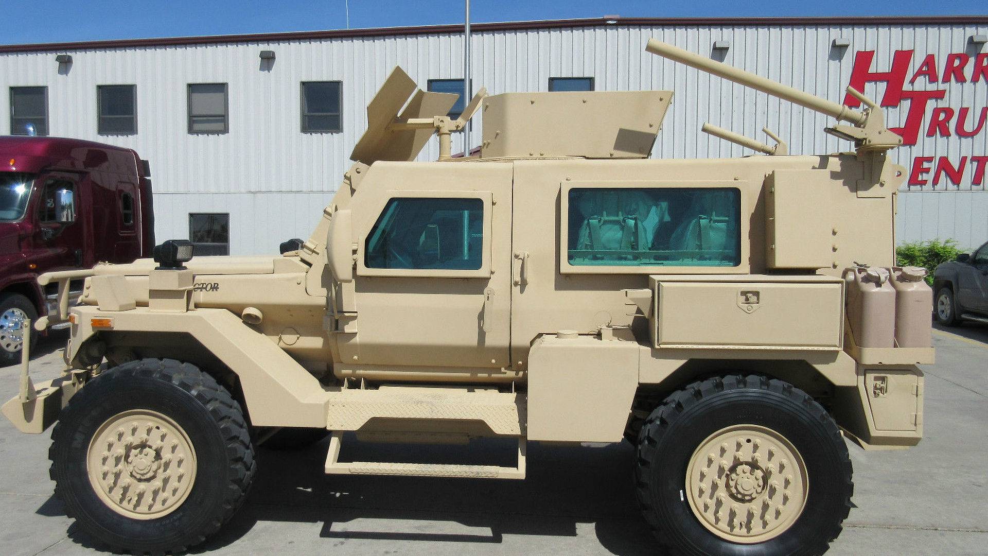 Military Vehicles For Sale >> Yes You Can Buy An Mrap Military Vehicle On Ebay