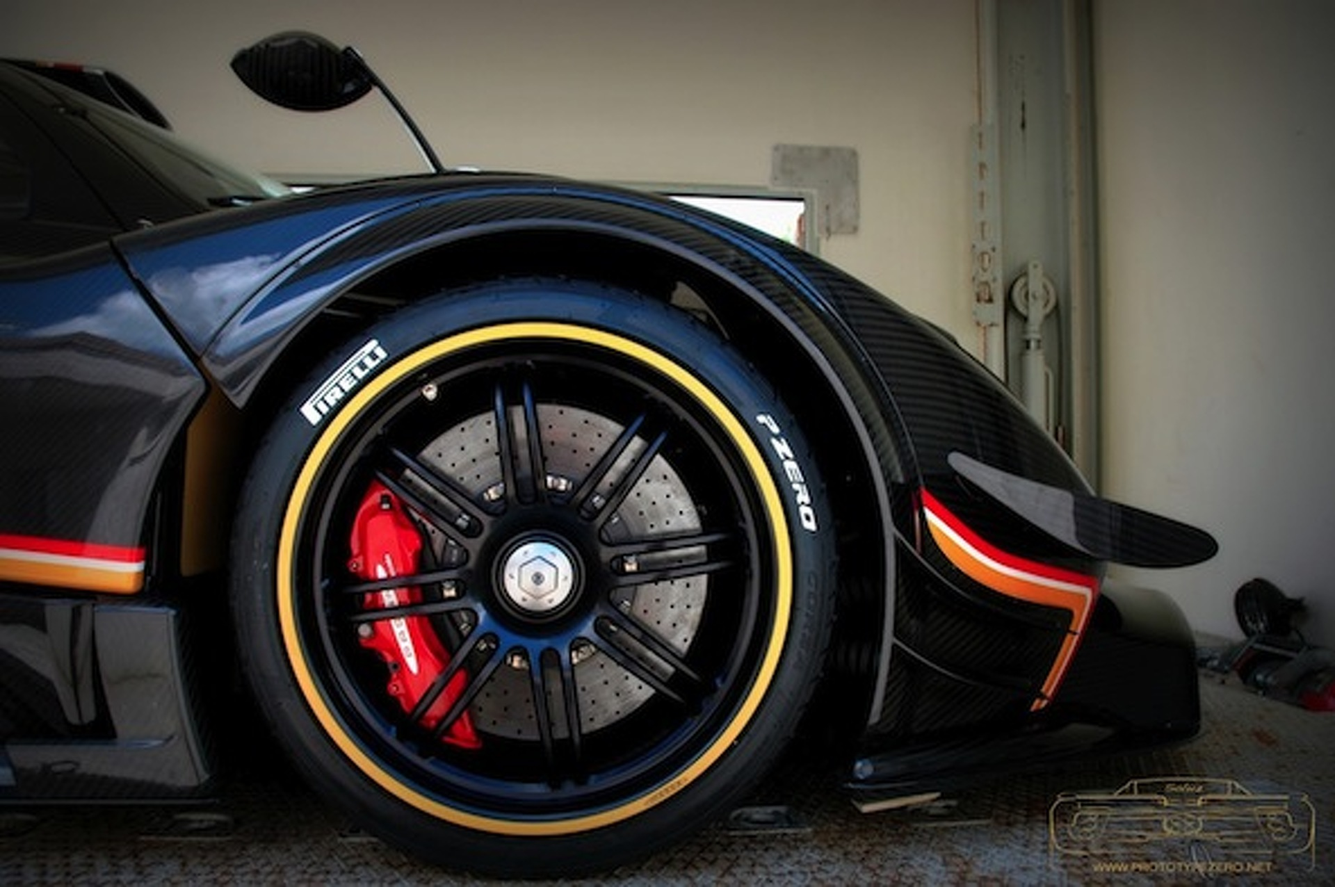 Pagani Preps Exclusive Zonda R Evolution for Delivery