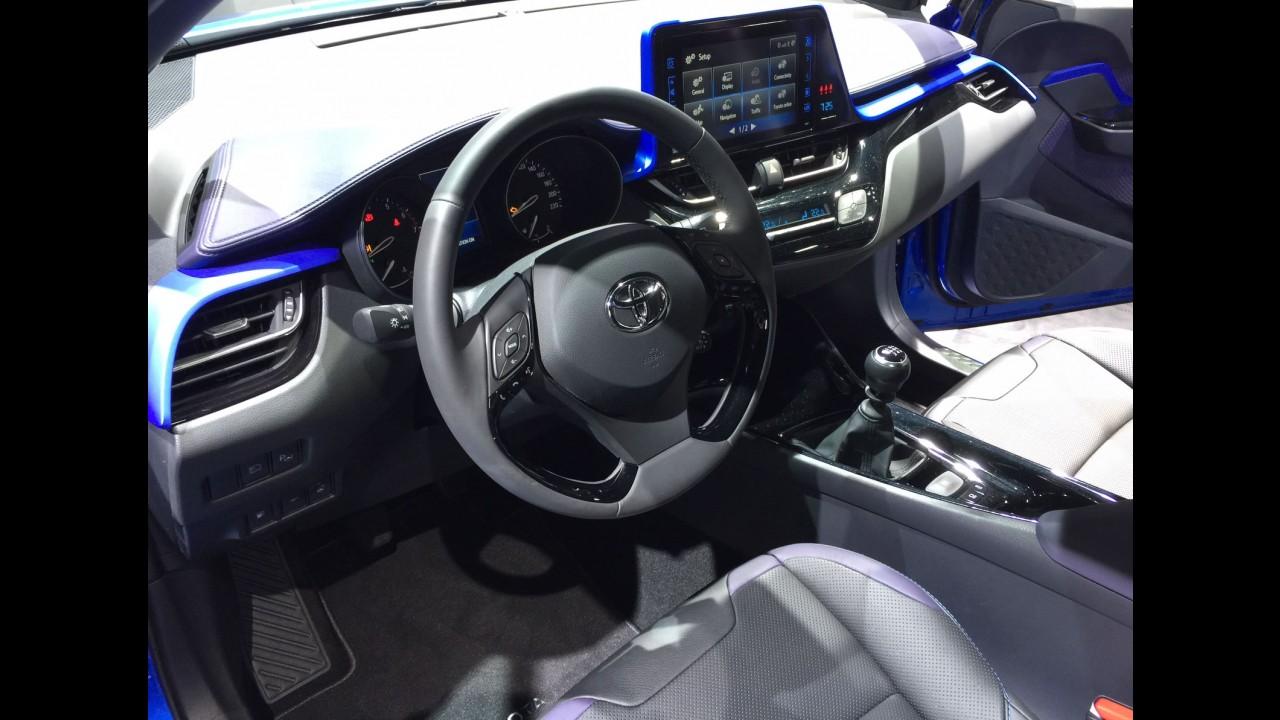 CARPLACE TV: Detalhamos o Toyota C-HR, que será atração do Salão de SP