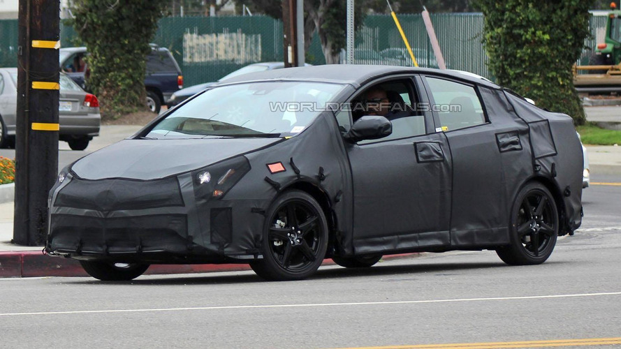 2017 Toyota Prius Plug-in Hybrid to have an electric-only range of up to 35 miles