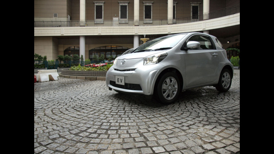 Toyota lancia il car sharing