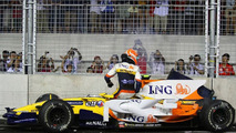 Nelson Piquet was Ordered to Crash at the 2008 Singapore Grand prix by Renault allowing team-mate Fernando Alonso to take Victory
