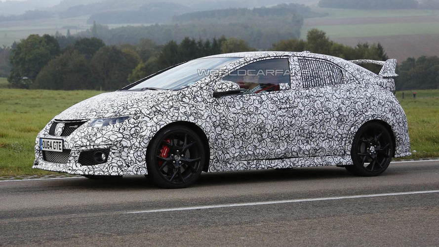 2015 Honda Civic Type R spied up close