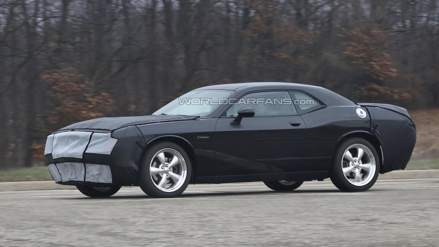 2015 Dodge Challenger spied showing more details