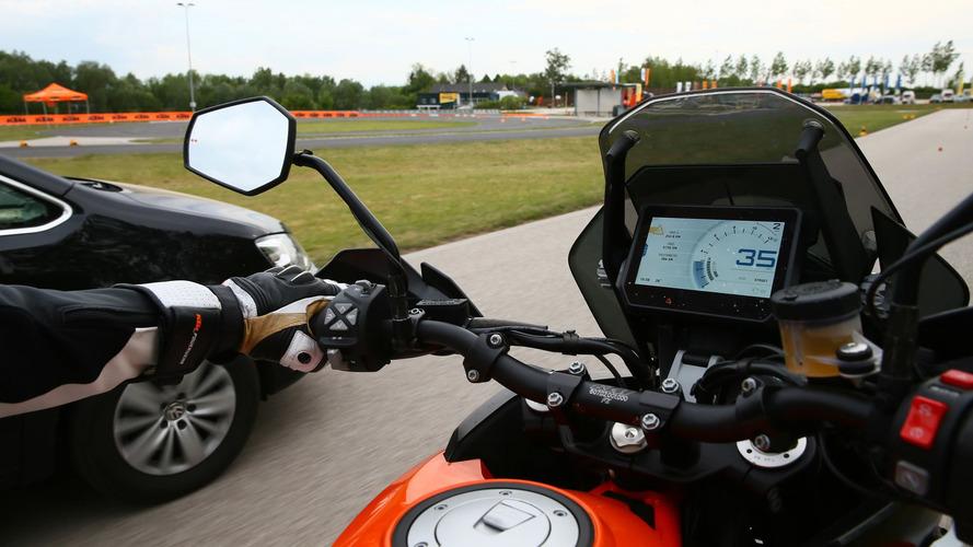 KTM presenta sus nuevos sistemas de seguridad para reducir accidentes