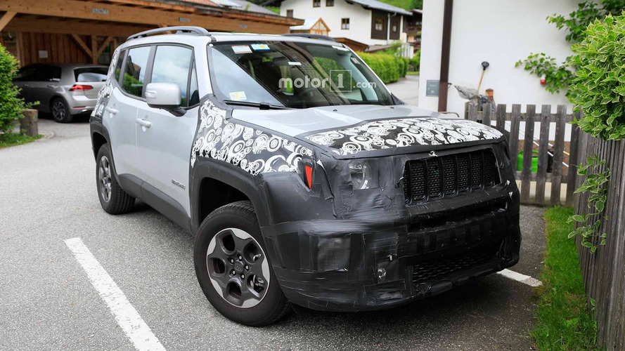 Jeep Renegade's Refreshed Body Spied Up Close