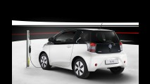 Toyota apresenta versão elétrica do iQ e promete lançar 21 modelos híbridos até 2015