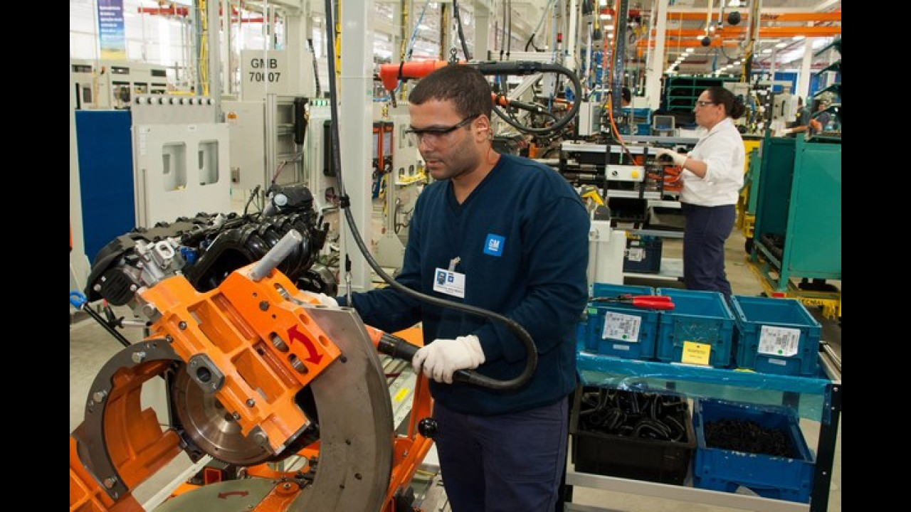 GM inaugura nova fábrica de motores em Joinville/SC
