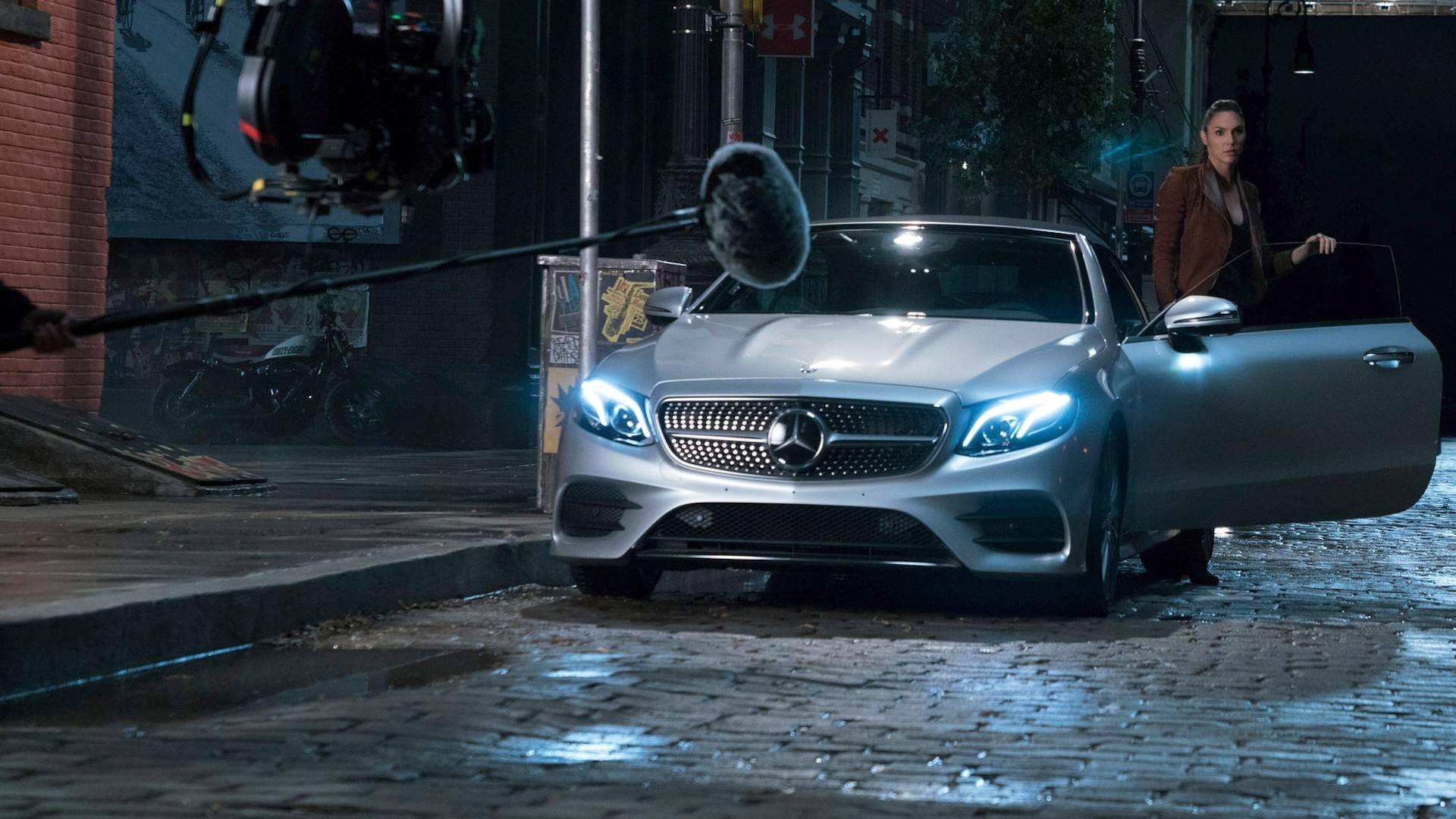 Mercedes amg vision gran turismo akan tampil di film for Justice league mercedes benz