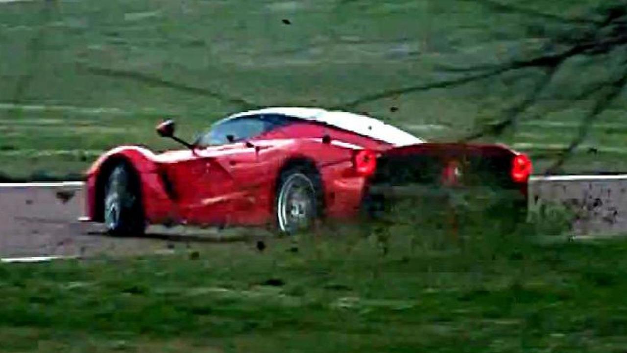 Kimi Raikkonen spins out while testing LaFerrari at Fiorano