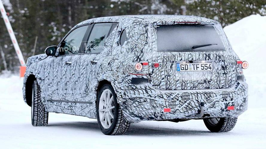 Mercedes glb class suv spied again looking as boxy as ever for Mercedes benz boxy suv