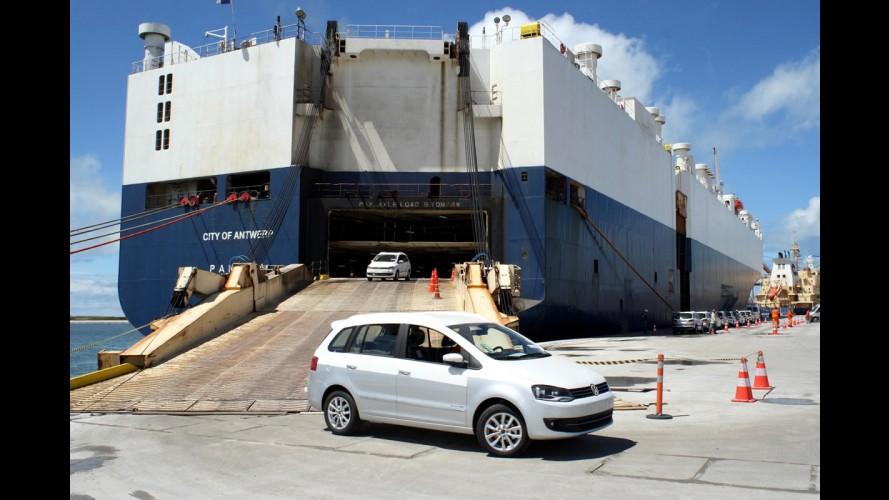 Volkswagen do Brasil inicia importação da Amarok e SpaceFox por Suape - PE