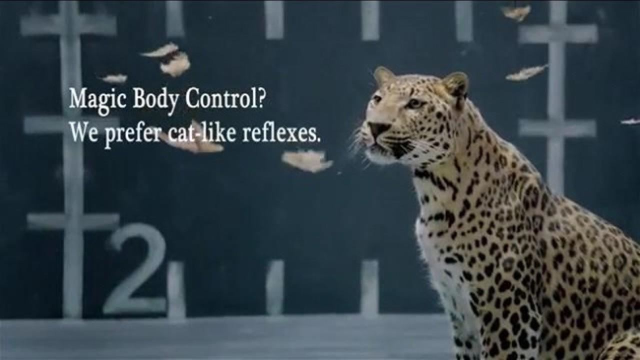 Vídeo: Jaguar devora galinhas da Mercedes em comercial provocativo