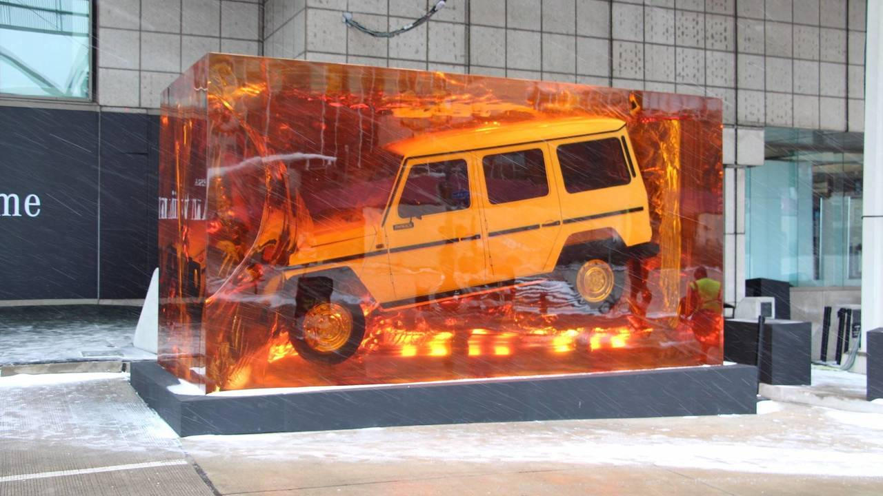 Hit: Mercedes G-Class Resin Display