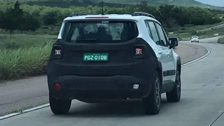 Flagra - Jeep Renegade reestilizado (2019) já roda no Brasil
