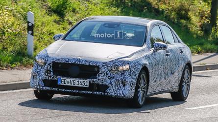 Flagra - Mercedes Classe A Sedan é visto em testes pela 1ª vez