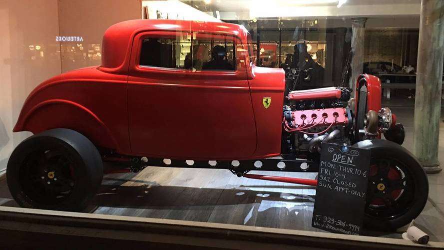 Cet incroyable tacot à moteur Ferrari est à vendre !