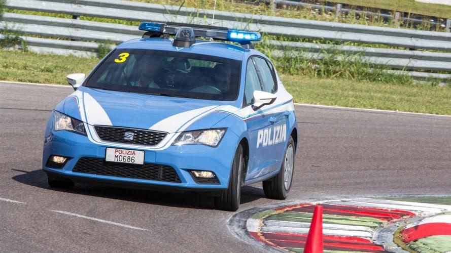 Seat Leon, un corso in pista con gli istruttori della Polizia [VIDEO]