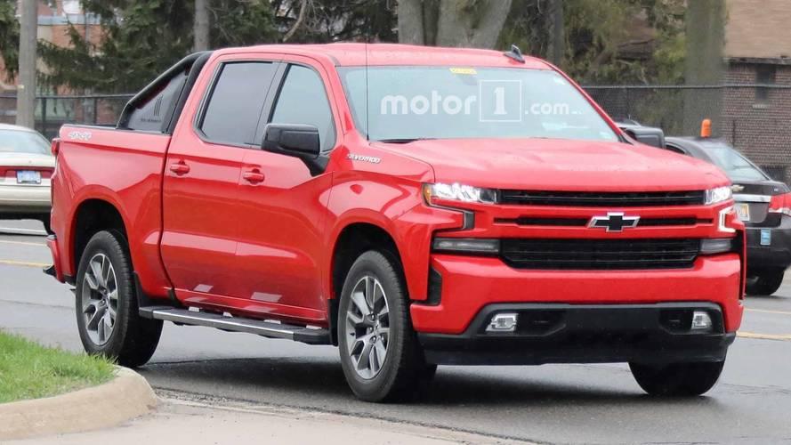 2019 Chevrolet Silverado RST Spy Photos