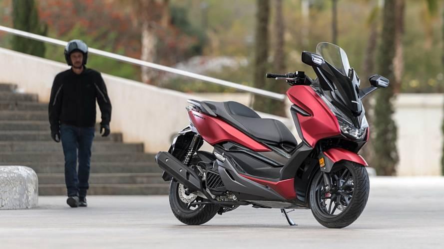 Honda renueva el scooter Forza 125