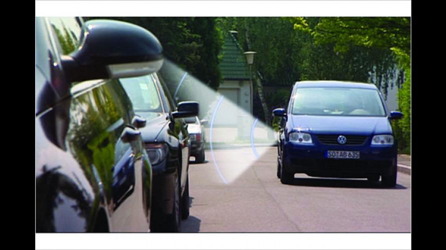 Hella bringt automatischen Einpark-Assistenten 2009 in Serie