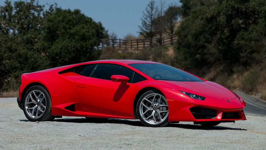 2016 Lamborghini Huracán LP 580-2 First Drive: Less Is More