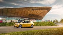 Altın Nissan Leaf